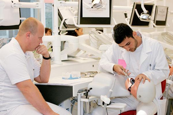 کارنامه آخرین قبولی های دندانپزشکی 97